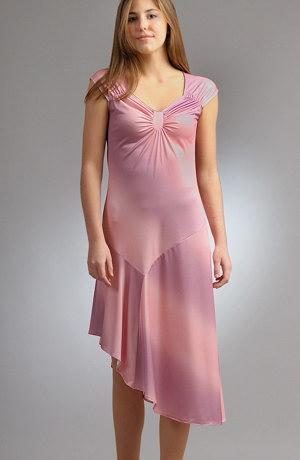 Elastické šaty s řasením na prsou v jemné batice