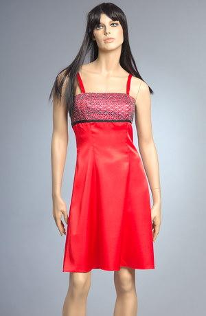 Šaty do tanečních krátké červené