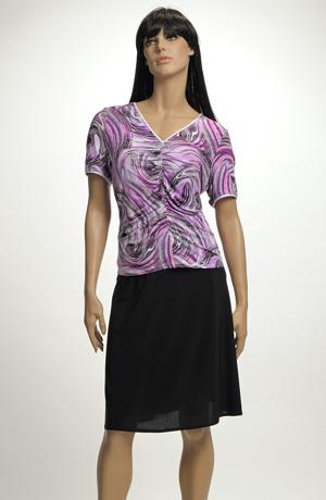 Elegantní dámský letní komplet z elastické pleteniny