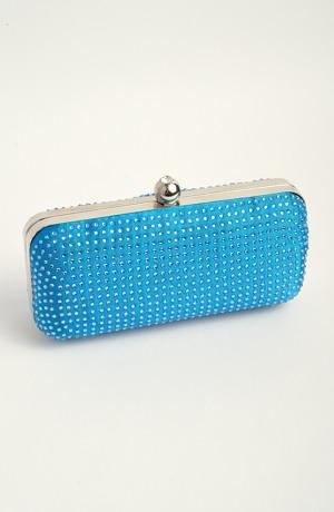 Modrá kabelka na ples