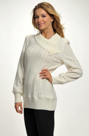 Pletený bílý svetr