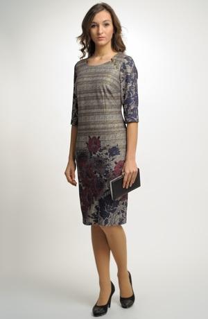 Dámské společenské koktejlové šaty ze zajímavého materiálu až do velikosti 50.