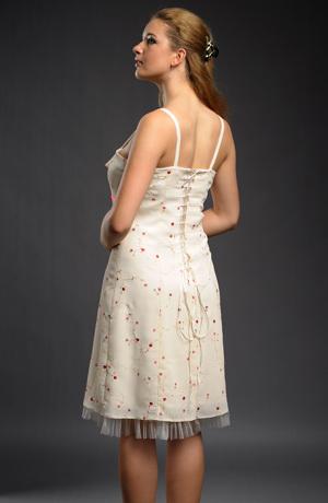 Dívčí šaty i do tanečních
