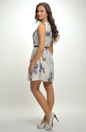 Dívčí šaty z jemné bavlny s potiskem módních květů