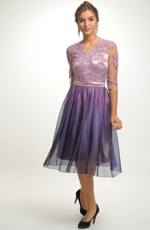 Elegantní dámské šaty na ples s krajkou