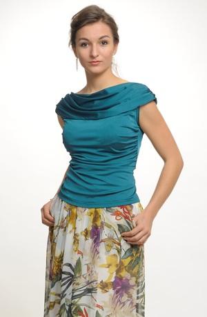 Společenská halenka v uni barvě z jemné tkaniny