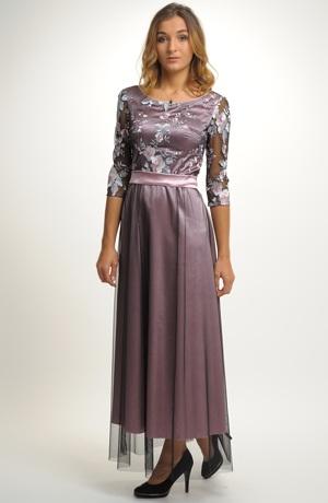 Mladistvé šaty vhodné na maturitní ples i na svatbu