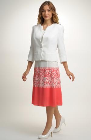Lehké společenské šaty na léto pro vyšší postavy