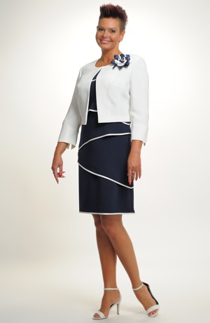 Šatový kostým s krátkým sakem a kontrastními lemy