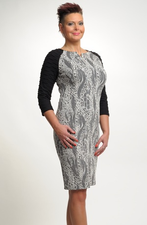 Pleteninové pouzdrové šaty vhodné do práce