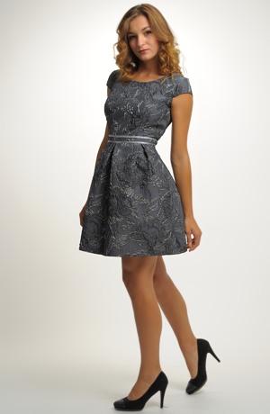 Krátké šaty vhodné na maturitu, promoci i do tanečních...