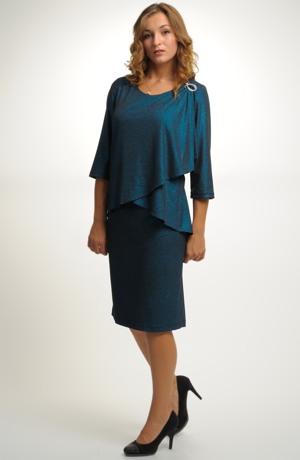 Šaty s řasením na předním dílu