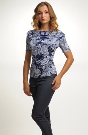 Společenské tričko s módním vzorem