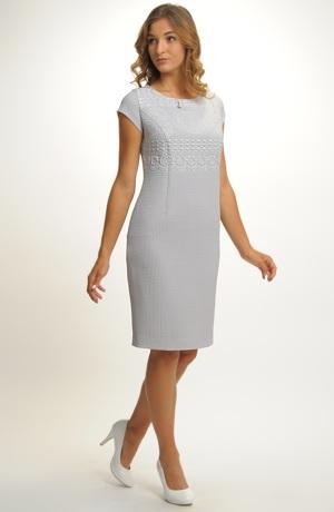 Společenské pouzdrové šaty s bolerkem