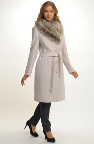 Dámský zimní vlněný kabát