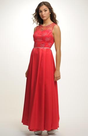 Plesové červené šaty na maturitní ples. Vel. 38