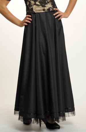 Plesová sukně ze saténu