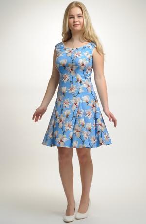 Šaty vhodné na léto nebo na swing.