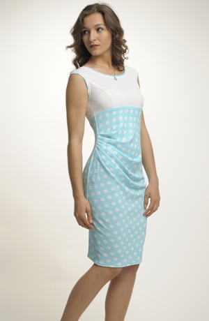 Mladistvé pouzdrové šaty na léto do páce, do kanceláře i do recepce