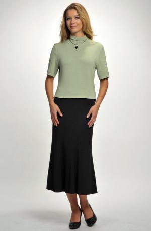 Dámský svetřík z jemné zelenkavé pleteniny