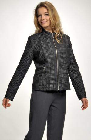 Mladistvý krátký černý kabátek na zip ve velikostech 42,44,46