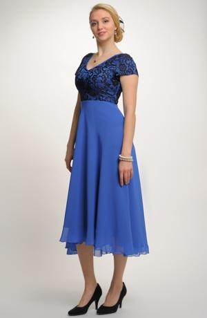 Elegantní večerní šaty s krajkou na ples i do divadla