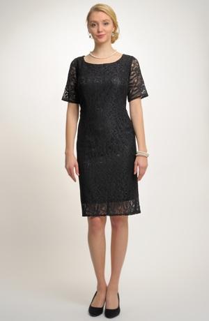 Pouzdrové šaty z černé krajky
