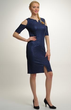 Krátké společenské šaty s raglánovým rukávkem a s metalízou