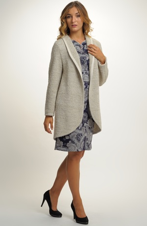 Dámský pletený kabát z boucle pleteniny