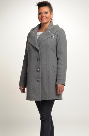 Elegantní dámské paleto s oddělávací kapucí a límcem