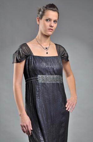 Dlouhé dámské společenské šaty pro plnoštíhlé s metalízou zvířecího vzoru, vel. 52