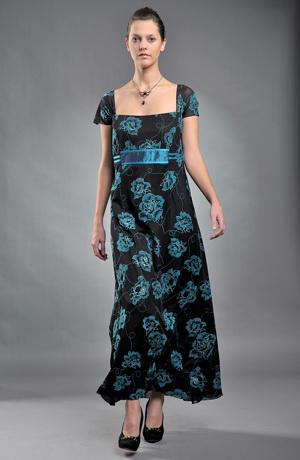 Dlouhé plesové šaty s tiskem vhodné pro plnoštíhlé