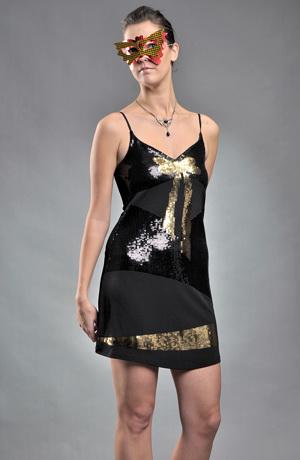 Dívčí sexy šaty bohatě zdobené flitry