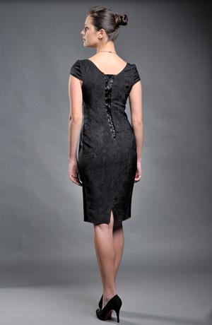 Pouzdrové společenské šaty pro větší velikost XL a XXL.