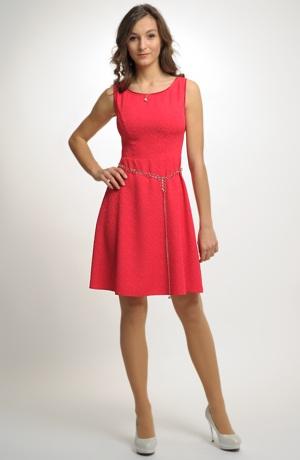 Dívčí červené šaty do tanečních