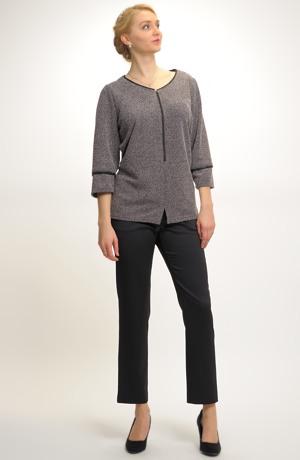Dlouhá tunika ke kalhotám v elegantním stylu