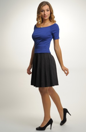 Černá kolová sukně