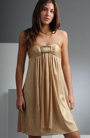 Elegantní šaty s bohatým řasením ve stylu baby doll.