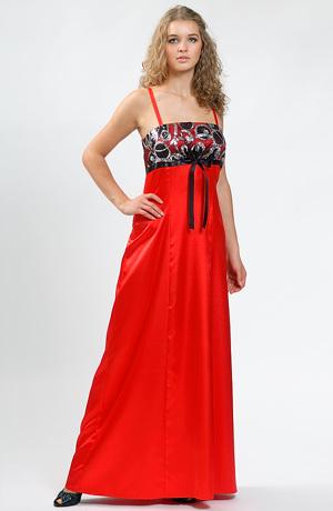 Plesové šaty s výrazným sedlem zdobeným flitry.