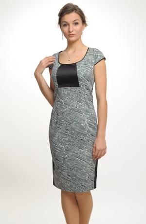 Koktejlové šaty z elastické látky