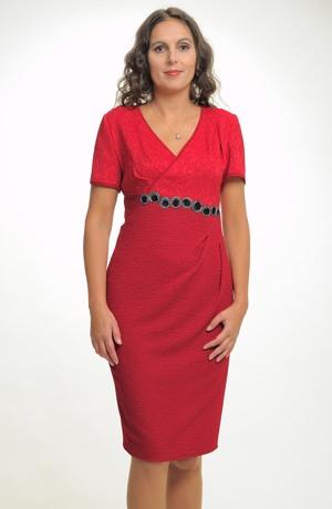 Společenské šaty pro plnoštíhlé s řasením pod prsy ve velikosti 44,46,48,/ XL až XXL