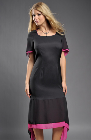 Společenské šaty volánem do cípků