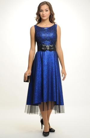 Modelové společenské šaty na ples s černým tylem