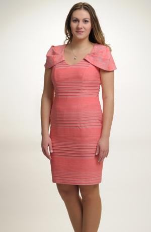 Dámské luxusní společenské koktejlové šaty z elastického materiálu