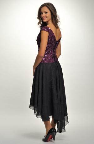 Elegantní plesové šaty v asymetrické délce