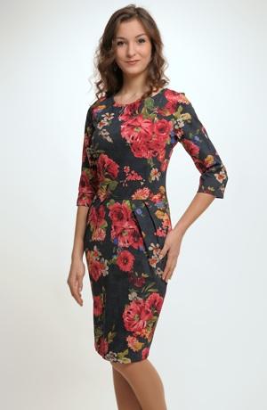 Dámské šaty s módním vzorem květů