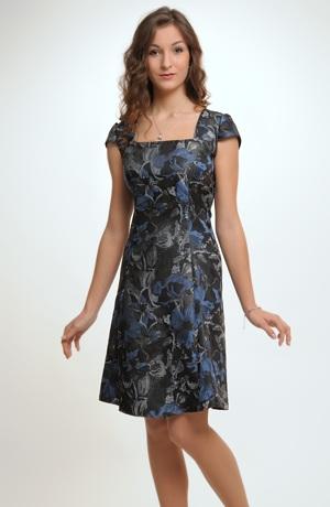 Šaty inspirované retromódou 50.let