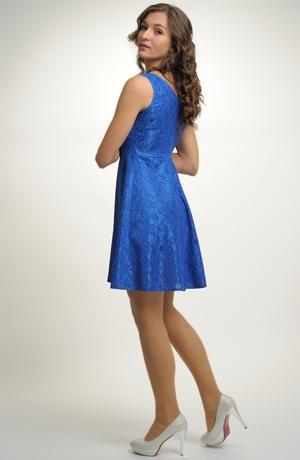 Dívčí šaty do tanečních i na maturitu