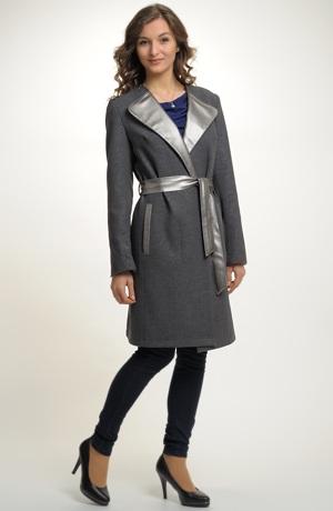 Dámský kabát na podzim