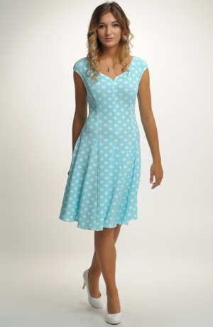 Princesové šaty s jemným puntíkem